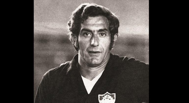 Félix - Já chegou ao Fluminense aos 30 anos e, mesmo contestado, foi um dos goleiros mais vitoriosos da história do futebol brasileiro. No Tricolor, levantou os títulos do carioca em 1969, 1971, 1973, 1975 e 1976, além do Campeonato Brasileiro de 1970. Ficou eternizado ao ser tricampeão mundial com a Seleção Brasileira.