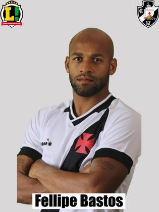 Fellipe Bastos - 6,0: Teve participação um pouco tímida, mas foi preciso na marcação e deu bons passes no ataque.