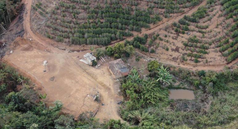 Policiais utilizaram drones para localizar suspeito, que estava escondido em uma lavoura
