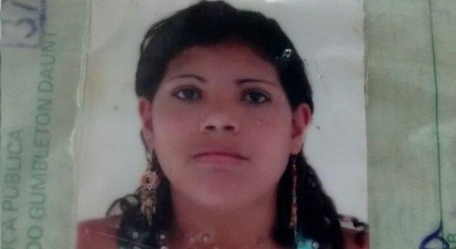 Evellyn Silvestre da Silva, de 30 anos, estava no chão do quarto