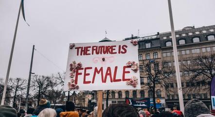 Movimento prega a superioridade do sexo feminino