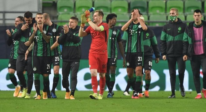 A alegria dos atletas do Ferencvarós, o empate nos acréscimos