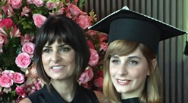 Fernanda Abreu e a filha recém formada Sofia