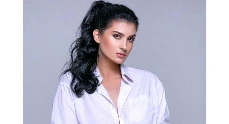 """A modelo gaúcha Fernanda Henz participa do """"Bela do Verão"""" na Rede TV!"""