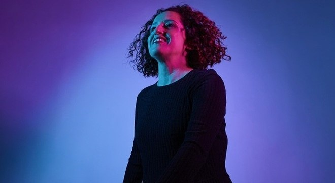 Fernanda Porto produziu e lançou o disco por seu próprio selo musical