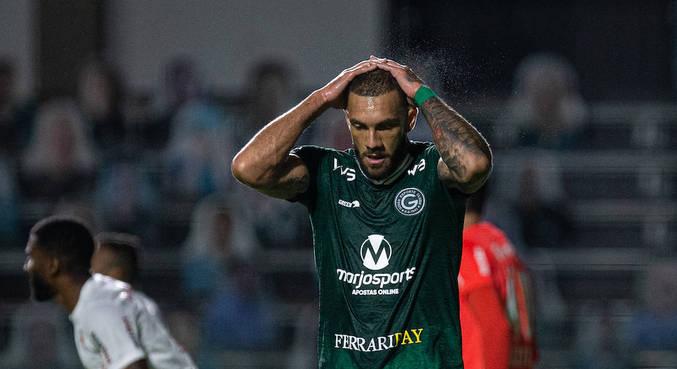 Fernandão, do Goiás, se lamentou com chances perdidas contra Bragantino