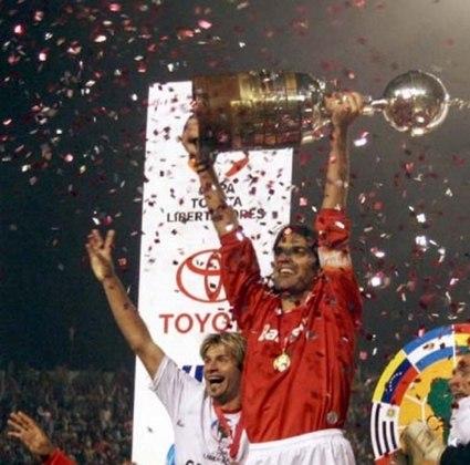 FERNANDÃO - Mais uma vez o Internacional apostou em um ídolo dos gramados para dirigir o time. Campeão mundial pelo Colorado, não conseguiu engrenar como treinador.