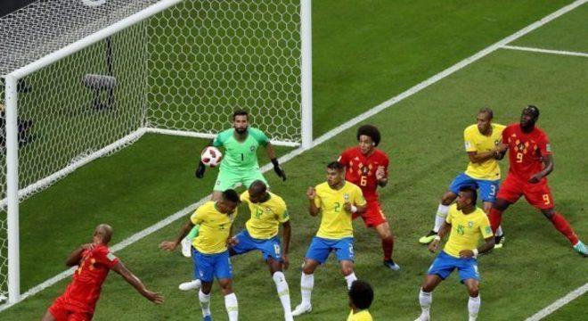O gol contra do volante destruiu psicologicamente o Brasil na Rússia