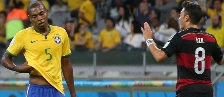 Fernandinho também estava no massacre da Alemanha. 7 a 1