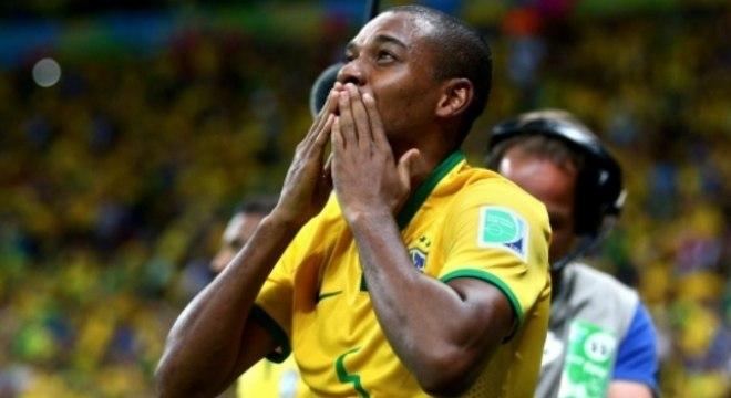 O volante Fernandinho, de 33 anos, é o mais velho da seleção de Tite para a Copa de 2018
