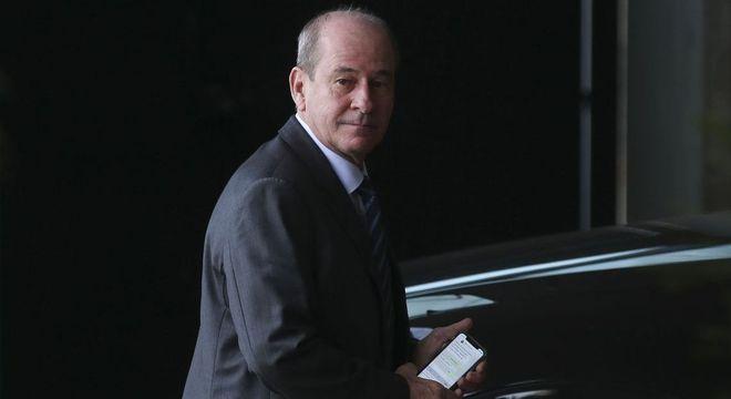 Ministro Fernando de Azevedo Silva divulgou a Ordem do Dia Alusiva a 1964