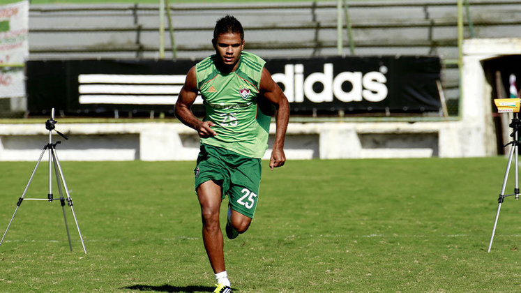 FERNANDO BOB também teve altos e baixos e foi cedido a clubes como Avaí e Atlético-GO até sair definitivamente do Fluminense em 2013. Depois, passou por Ponte Preta, Internacional e defendeu o Minnessotta United (EUA). Nas duas edições mais recentes do Carioca, defendeu o Boavista.
