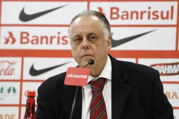 Fernando Carvalho - Ex-presidente do Internacional, o advogado assumiu o clube em 2002, ano em que o Colorado quase foi rebaixado e ficou até 2006. Dessa forma, conseguiu trazer a primeira Copa Libertadores do clube gaúcho e o tão sonhado Mundial de Clubes sobre o Barcelona