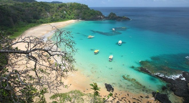 Além de ingresso, turistas que vão a Noronha precisam pagar taxa de preservação