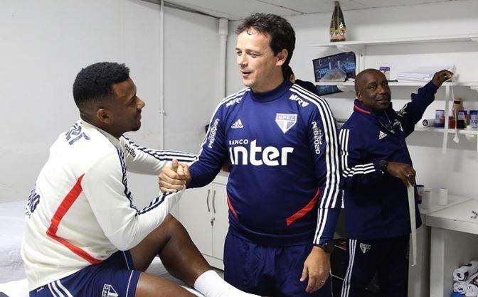 Fernando Diniz se deixou levar pela admiração a Daniel Alves, que o indicou ao São Paulo