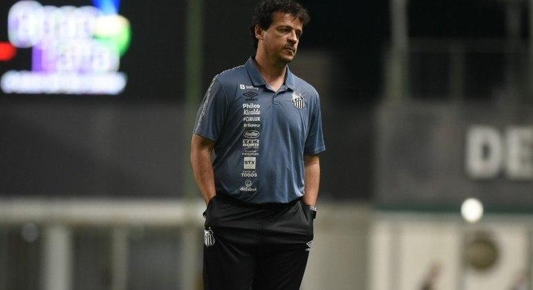 Fernando Diniz. Mais uma derrota. E críticas à direção do Santos por vender Luan Peres