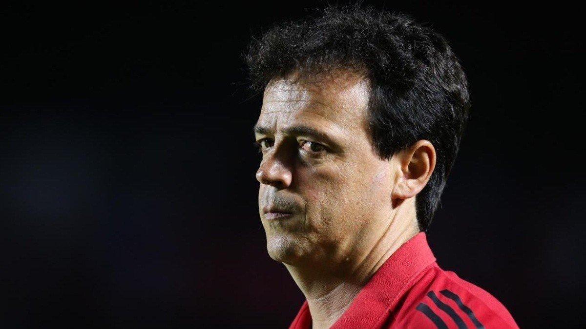 Com Fernando DIniz, São Paulo não venceu um clube grande, fora de casa