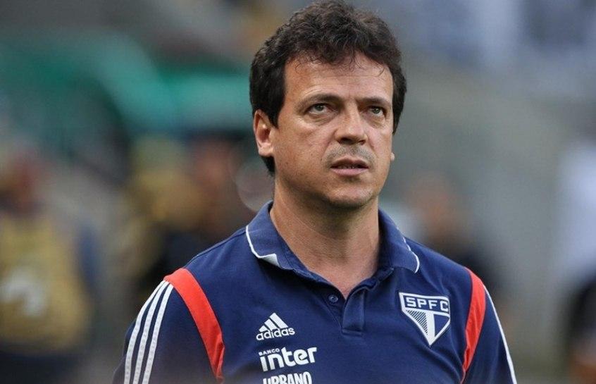 Fernando Diniz não consegue mudar a maneira previsível de o São Paulo jogar