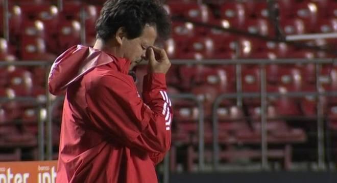 Fernando Diniz confessou que não entendeu comportamento de seu time