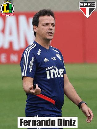Fernando Diniz - 5,5 - Mais do mesmo. O treinador viu sua equipe ter dificuldade de transformar sua superioridade de posse de bola em gols. Fez mudanças ofensivas e conseguiu um empate com bola parada.