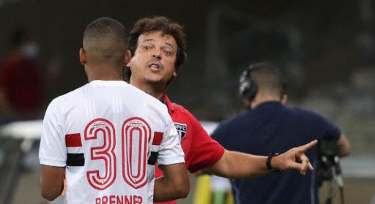 Fernando Diniz deu apoio. E depois perdeu a confiança no jovem atacante