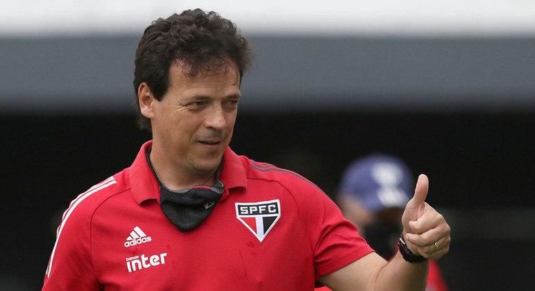 Fernando Diniz é oficializado como novo técnico do Santos