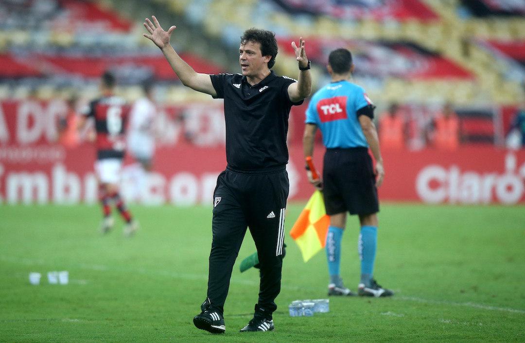 Fernando Diniz montou seu time para não perder. Mas saiu do Maracanã com a vitória