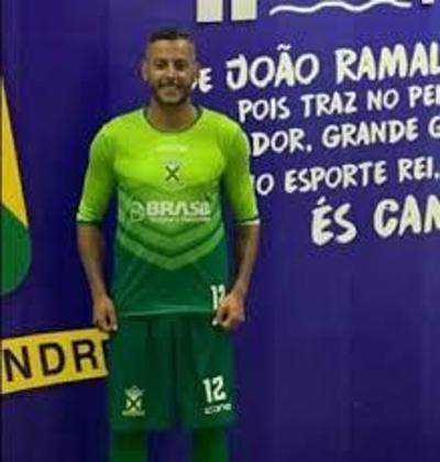 Fernando Henrique: experiente goleiro, ex-Fluminense e Ceará, seu contrato com o Santo André expirou em 7 de abril. Ele vinha sendo um dos grandes responsáveis pela boa campanha do time, com 13 defesas difíceis, segundo o Footstats.