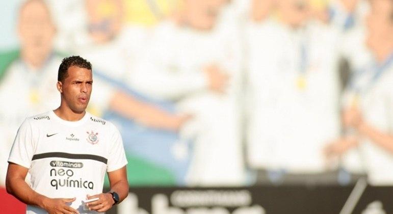 Fernando Lázaro – 7,0 – Dois jogos pelo Corinthians e duas goleadas. Sob o seu comando o Timão teve outra postura. Teve mais posse de bola, mas também sendo efetivo. Criou chances e finalizou mais. Ótimo trabalho do profissional, que fará parte da comissão técnica de Sylvinho.