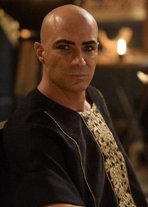 Fernando Pavão como faraó Sheshi