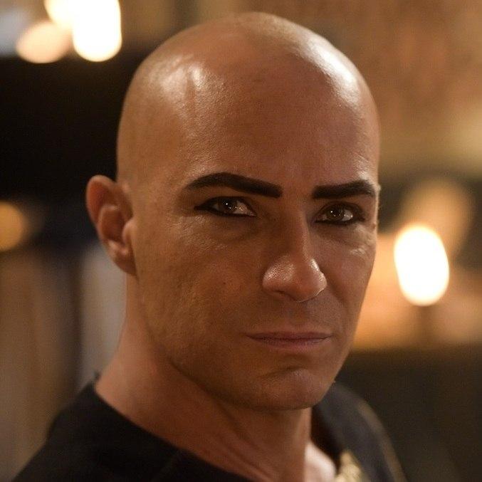 Fernando Pavão em cena de 'Gênesis'