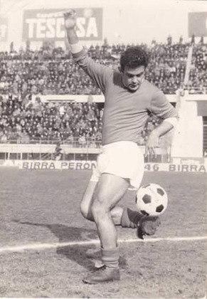 Fernando Puglia - atacante - 1961/1962 - 1 jogo e 0 gols - Clubes no Brasil: Palmeiras, São Paulo, Santa Cruz e Bangu