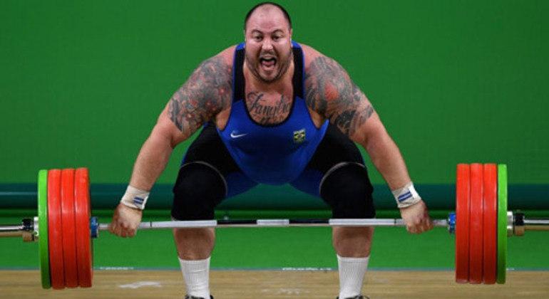 Fernando Reis é um dos grandes nomes do levantamento de peso em todo o mundo
