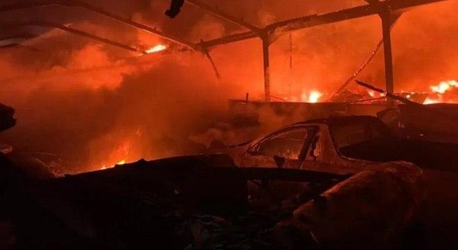 Ferrari avaliada em R$ 8,3 milhões foi destruída em suposto incêndio criminoso