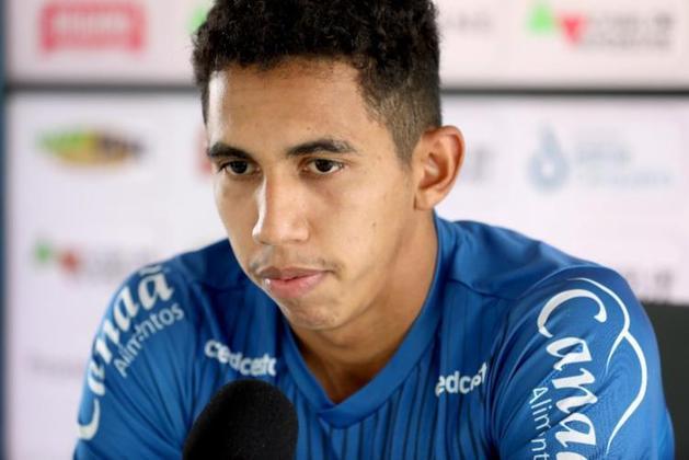 Fessin (meia - 22 anos) - Pertence ao Corinthians e está emprestado ao Bahia somente até 28/2 - Chegou a ter sequência durante o Brasileirão, com partidas interessantes. Atualmente alterna jogos entre o time titular e o banco