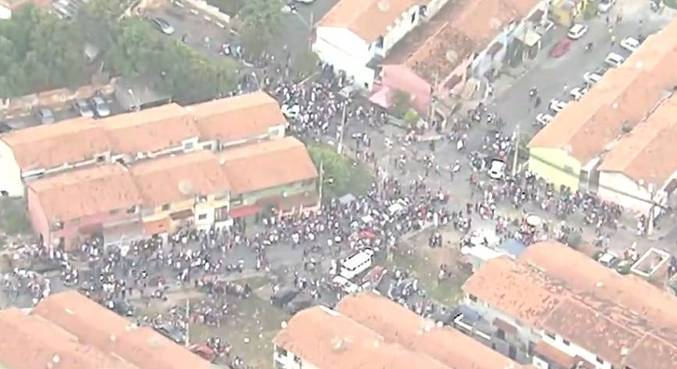 Festas foram registradas em vários bairros da cidade