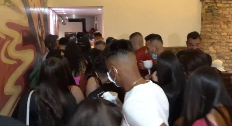 Comitê de Blitz de SP encerrou festa com 235 pessoas em bar na Mooca