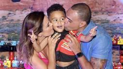 Filho de Denílson e Luciele Di Camargo faz 4 anos e ganha festão do filme _Carros_ ()