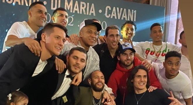 Neymar, Mbappé e boa parte do time na festa de Cavani, Icardi e Di Maria