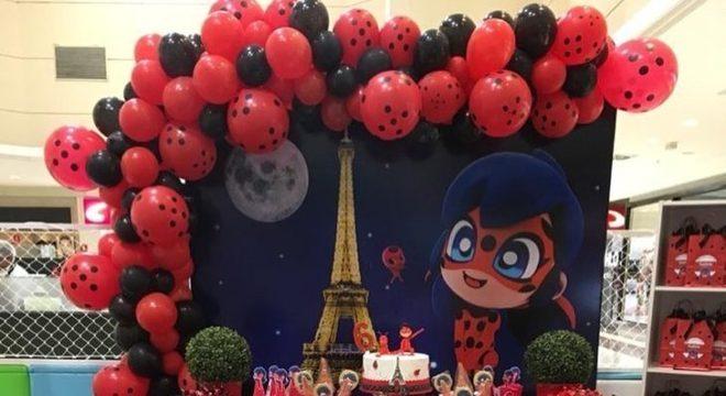 Festa Ladybug com torre eiffel e balões