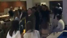 Polícia flagra festa em mansãode São Paulo com mais de 50 pessoas