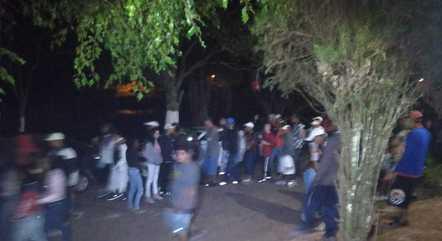 Festa com 800 pessoas aglomeradas em Mogi