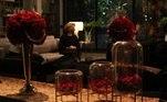 O diretor de Arte, Alexandre Farias, contou aosite oficial que a rosa vermelha foi o tema principal por significar paixão, amor e desejo, que remetem à personagem Poderosa