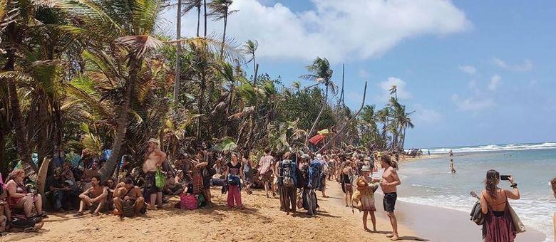 Pessoas de festival ficam presas em uma ilha por causa do coronavírus