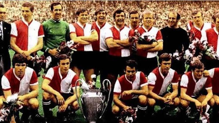 Feyenoord - 1 título (1969–70).