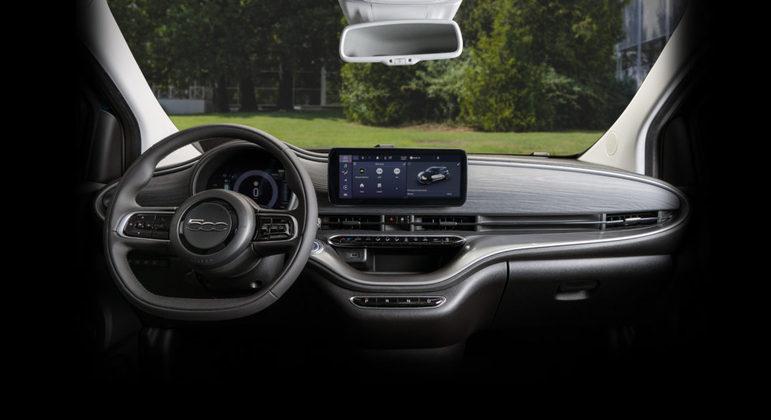 Carro eletrificado ainda possui central multimídia de 10,25 polegadas