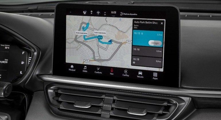 Central conta com sistema de navegação em 2D ou 3D