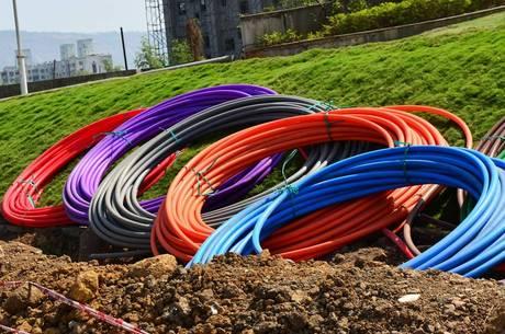 Fibra óptica leva rede mais rápida a todo o país