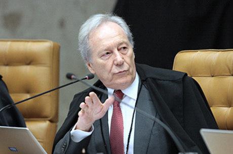 Ricardo Lewandowski foi relator da aA�A?o da Ficha Limpa