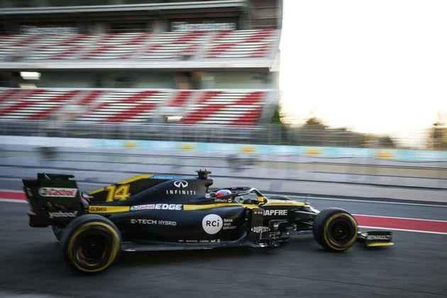 """""""Fico muito feliz por voltar ao carro, ainda que sejam apenas 100 km"""", disse Alonso"""